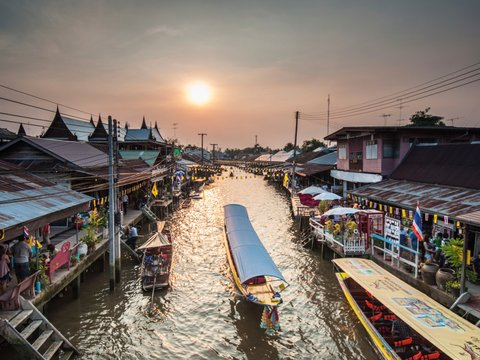 Floating Market to Hua Hin Cycling Tour