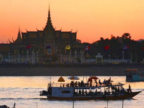 Phnom Penh - Siem Reap