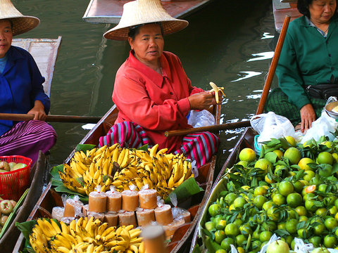 Bangkok Floating Market With Rose Garden
