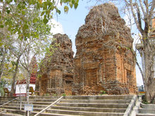 Neang Khmao Temple