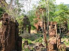 Neak Buos Temple