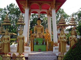 Xieng Khuang – Vientiane (B, L)