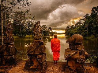 Angkor Exploration for Single Couple