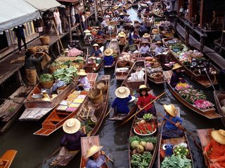 Damnoen Saduak Floating Market Tour 1 Day