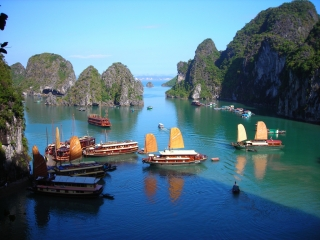 Halong Bay Cruise Tour