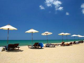 Khao Lak Beach Break