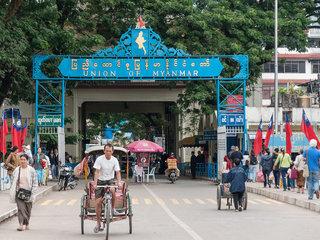 Mae Sai – Chiang Mai – 45km (B, L)