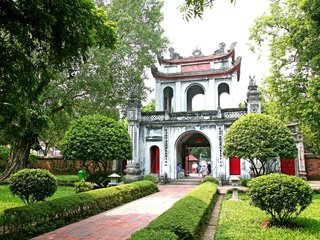 Hanoi City Tour (B, L)