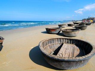 My Khe Beach Free and Easy (B)
