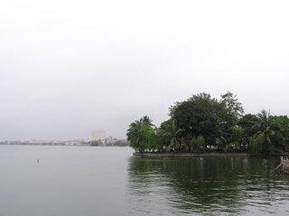 Halong – Hanoi (B, Br)