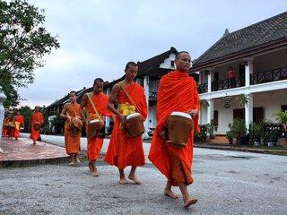 Vientiane Monks and Charities Half Day