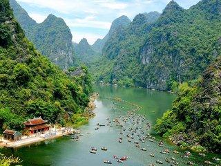 Hanoi - Ninh Binh – Sapa (B, L)
