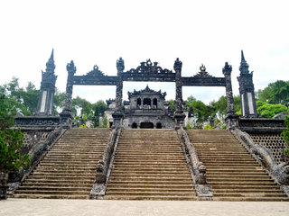 Dong Hoi – Hue City Sights (B, L, D)