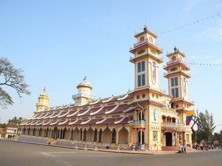 Saigon – Tay Ninh– Cu Chi Tunnels (B, L)
