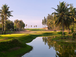 Golfing at Ocean Dunes Golf Club (B)