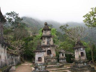 Hanoi – Yen Tu Pagoda – Halong (B, L, D)