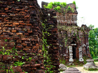 Danang – Our Lady of Tra Kieu – My Son (B, L, D)