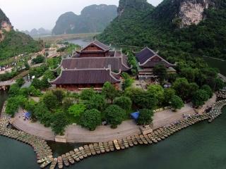 Trang An - Bai Dinh Tour