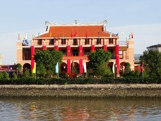 Half Day Meeting – Ho Chi Minh City Tour (B, L, D)