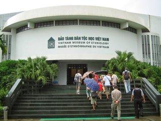 Halong Bay - Hanoi (B, L, D)
