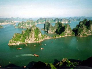 Hanoi City Tour – Halong Bay (B, L, D)