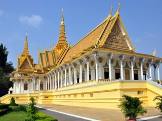 Chau Doc – Phnom Penh City Tour (B, L)