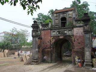 Hanoi – Duong Lam – Train to Sapa (B, L)