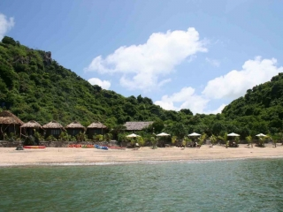 Monkey Island – Hydrofoil to Hai Phong – Hanoi (B, L)