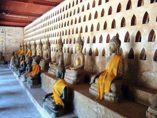 Luang Prabang – Vientiane (B, L)
