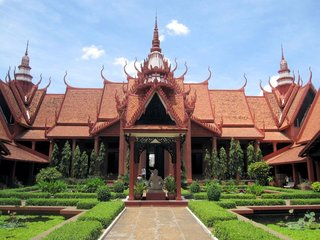 Siem Reap - Phnompenh (B, L)
