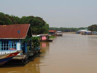 Tonle Sap Lake (B, L)