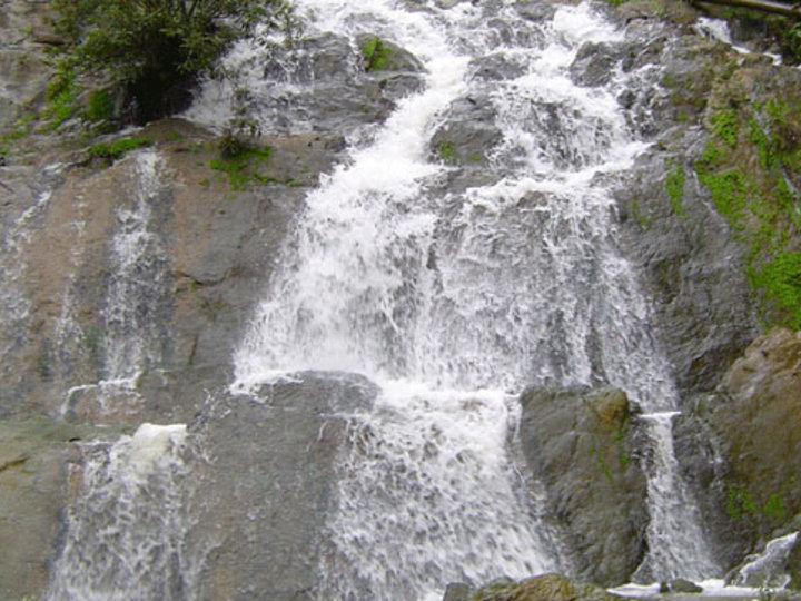 Nam Dee Waterfall
