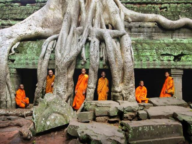 10_reasons_to_visit_cambodia_0.jpg